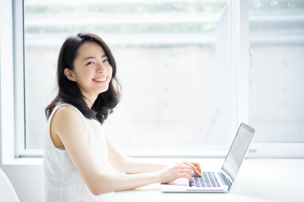 JouleLife(ジュールライフ)の安心サポートサービスを利用して初期設定ができて満足の女性